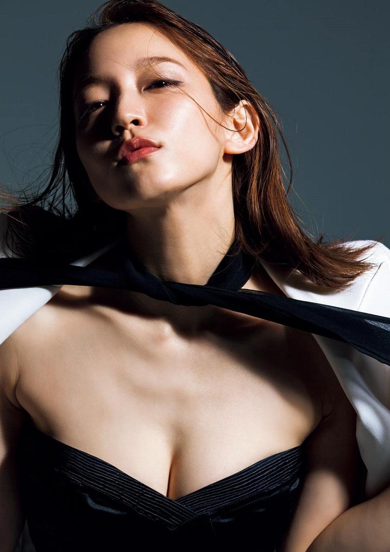 吉岡里帆(24)女優としてブレイクしてもエッチグラビアを提供してくれる女神ww【エロ画像】