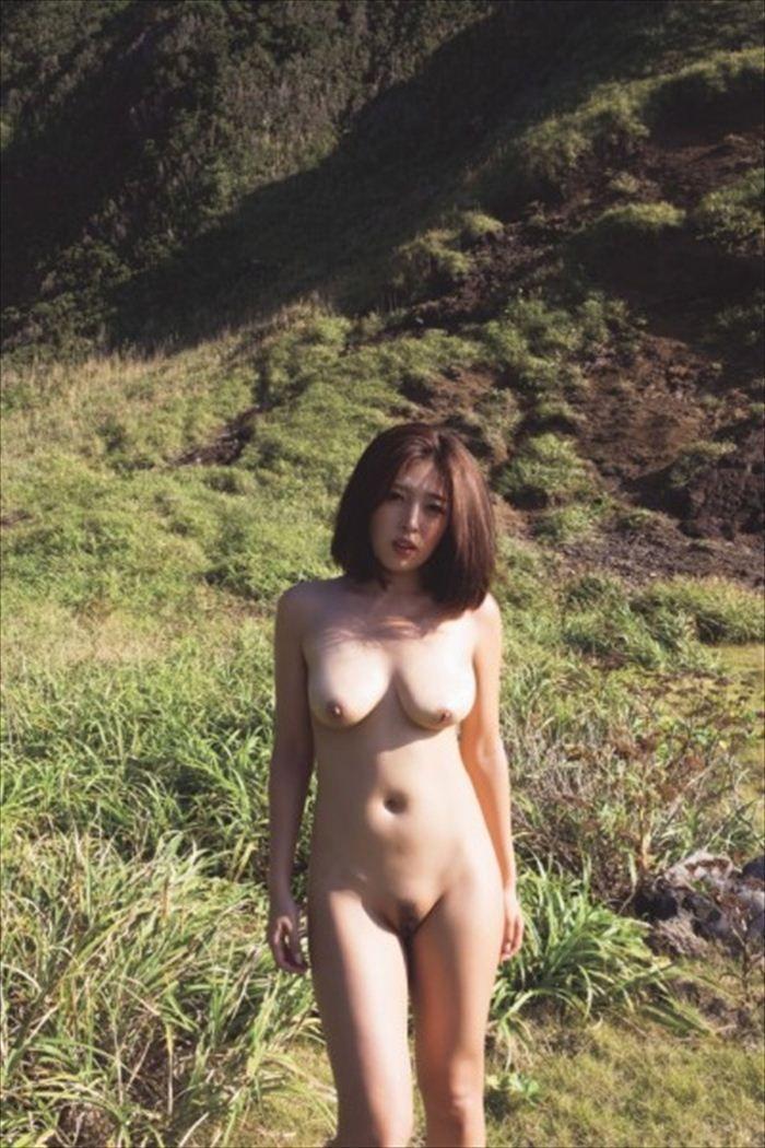 元SKE手束真知子(31)ヌード写真集のギャラやAVデビュー寸前だったことを暴露ww【エロ画像】