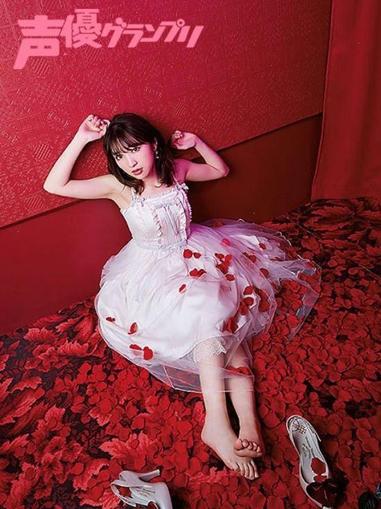 声優・豊田萌絵(23)のドレスっぽい衣装姿がエッチww【エロ画像】