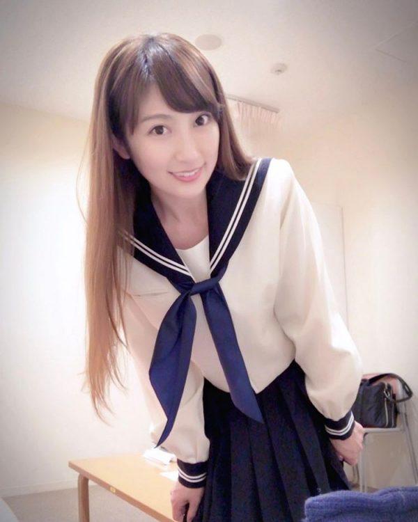 熊田曜子(35)熟女セーラー服ブームに便乗!イメクラ風ショットが抜けるww【エロ画像】