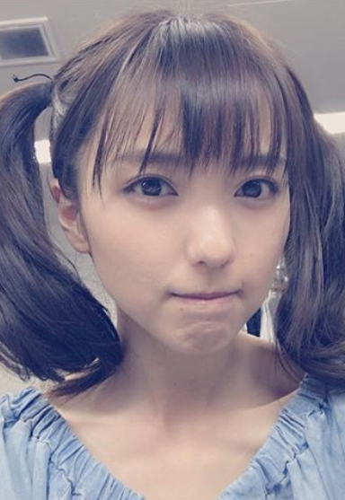 真野恵里菜(27)ツインテールのインスタショットがぐうシコww【エロ画像】