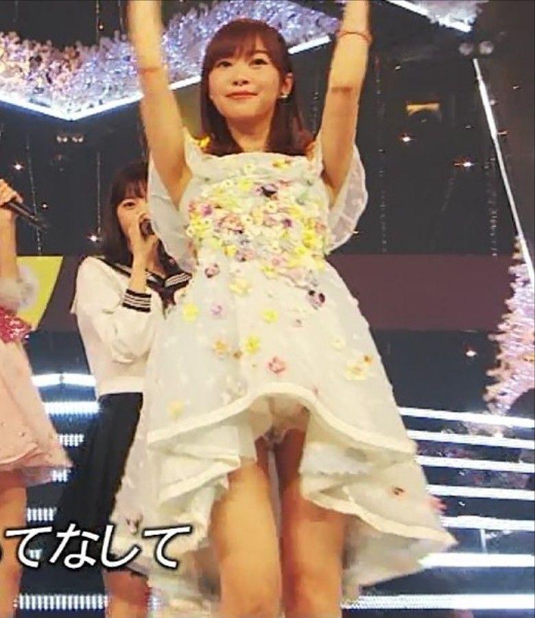 FNS歌謡祭で指原莉乃マンチラ!?さっしーのパイパンマンコついに見えたか!?ww【エロ画像】