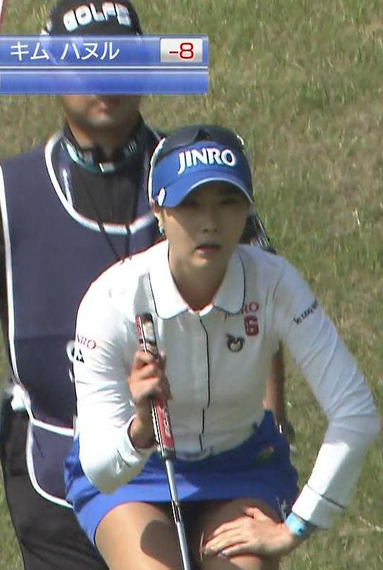 キム・ハヌル(28)韓国女子ゴルファーのミニスカパンチラがエロいww【エロ画像】