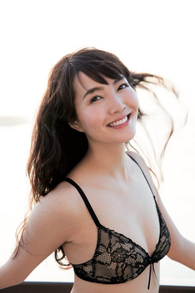 阿部桃子(22)ミス・ユニバースに選ばれた美尻・美乳モデルがぐうシコww【エロ画像】