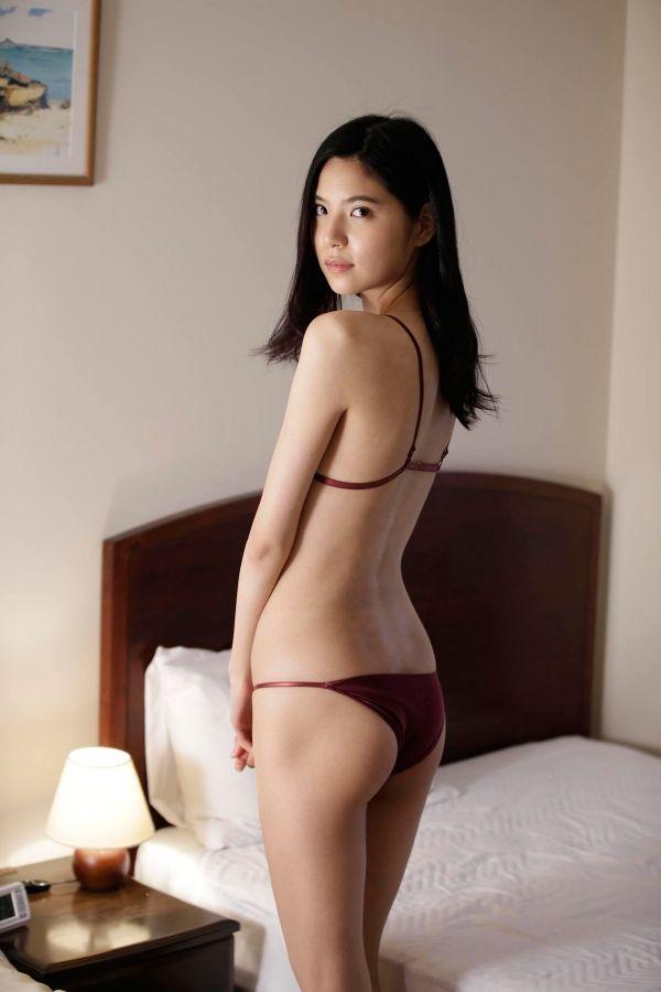 元SKE48水埜帆乃香(21)現在はhonokaとして活動中!顔はいまいちだがスタイルは長身スレンダーでいい感じww【エロ画像】