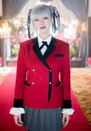 池田エライザ(22)の『賭ケグルイ』の銀髪コスプレ姿ww【エロ画像】