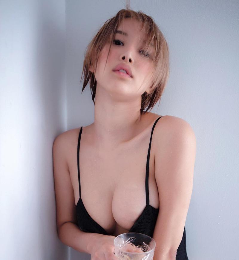 葵つかさ(28)のビッチ度アップの金髪姿がエロいww【エロ画像】