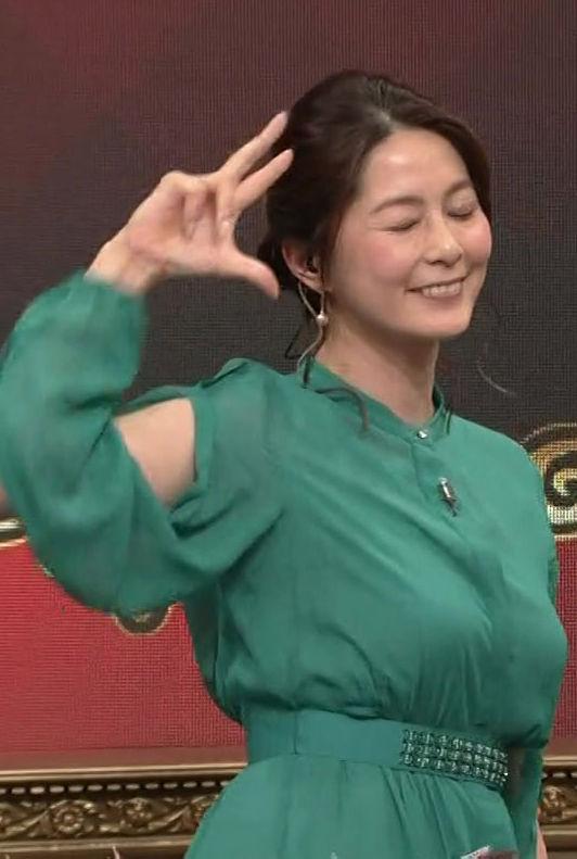 杉浦友紀アナ(35)の着衣巨乳の乳揺れがくっそエロいww【エロ画像】