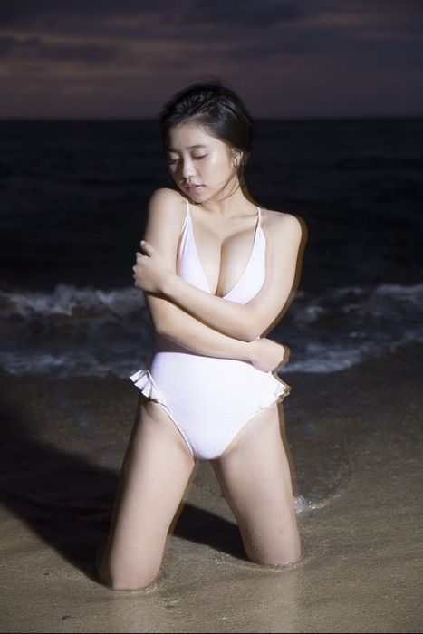 大原優乃(19)の写真集未公開カットがぐうシコww【エロ画像】