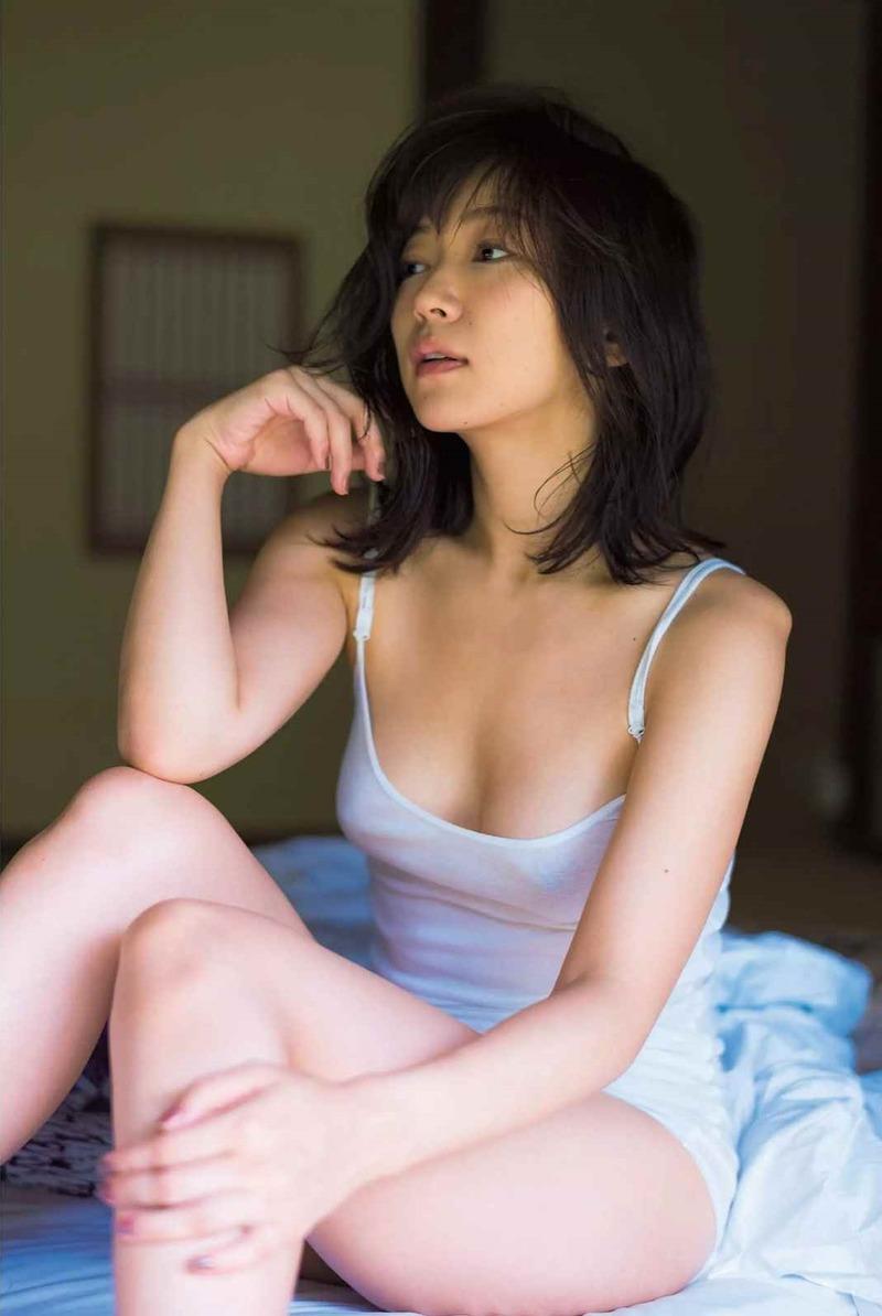 階戸瑠李(28)美乳Dカップの透け乳首がクッソエロいww【エロ画像】