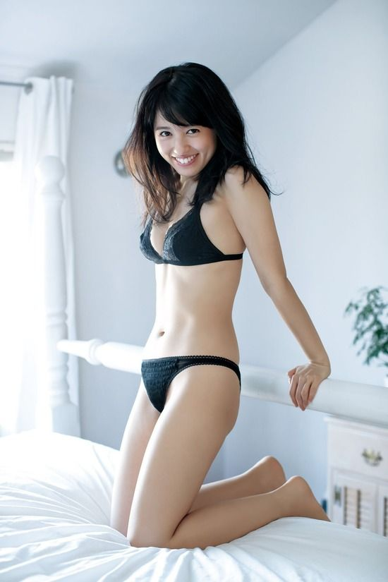 声優逢田梨香子(25)の下着や水着姿のグラビアがくっそエロいww【エロ画像】
