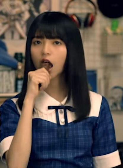 齋藤飛鳥(19)スニッカーズCMが疑似フェラ風でエロいww【エロ画像】