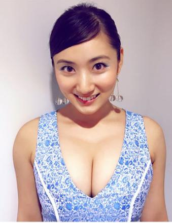 紗綾(23)Gカップ乳が収まりきらないセクシードレス姿がぐうシコww【エロ画像】
