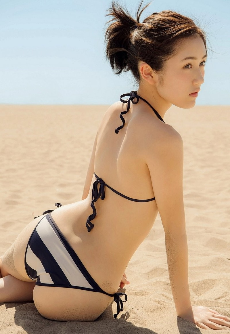 渡辺麻友(22)下着姿に半ケツショットwwまゆゆのプリケツ最強だなww【エロ画像】