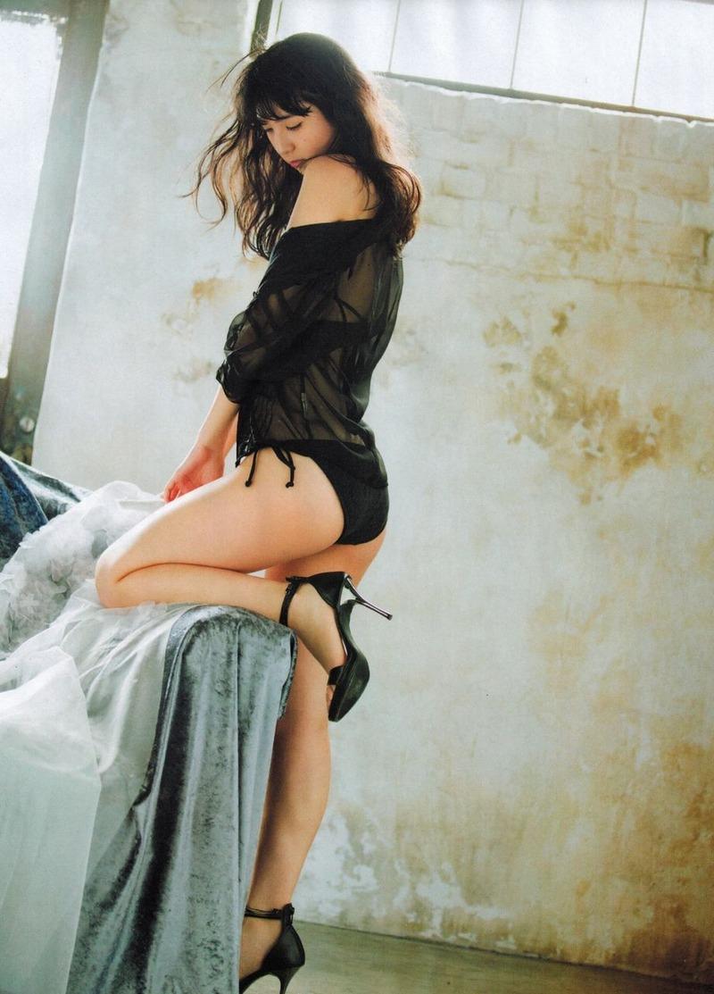 HKT松岡菜摘(18)の横乳水着グラビアたまらんwww大きな美尻も最高です【エロ画像】
