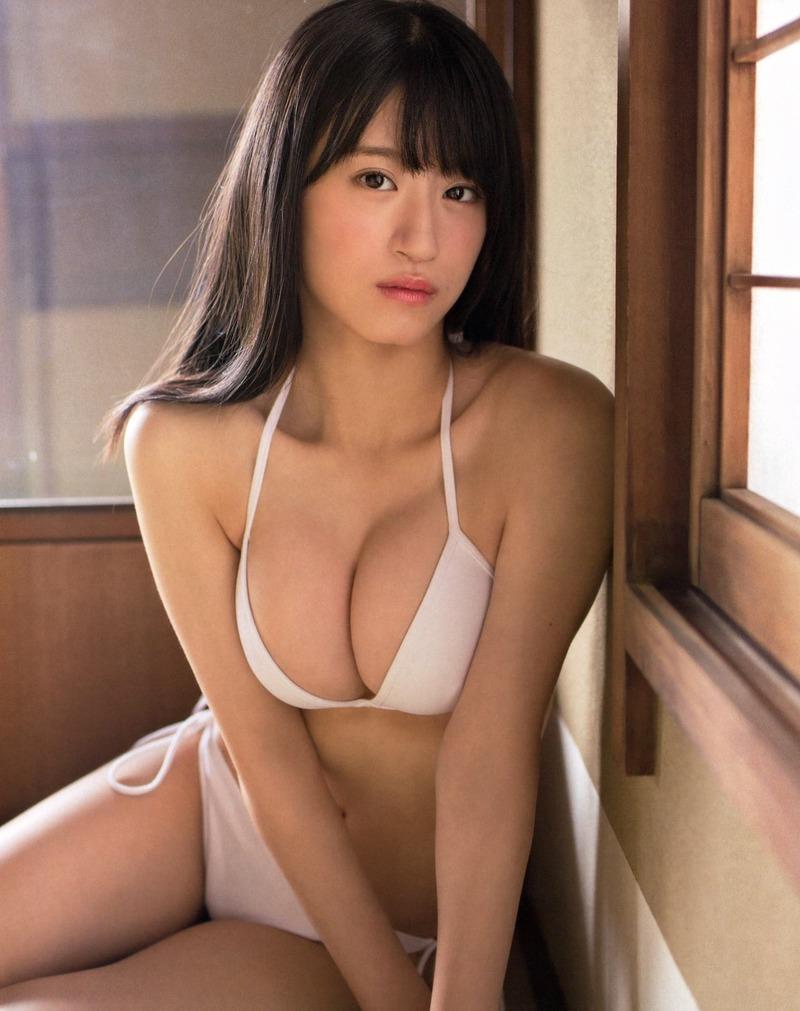 NMB48上西怜(16)Fカップ谷間が過激すぎる水着グラビアがぐうシコww【エロ画像】