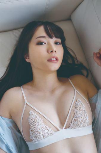 佐野水柚(28)のスレンダーGカップのおっぱいがエロいww【エロ画像】