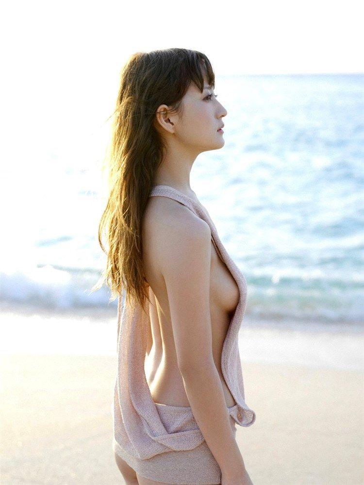 小松彩夏(30)Dカップ美乳がセーラーヴィーナスを演じたグラドルww【エロ画像】