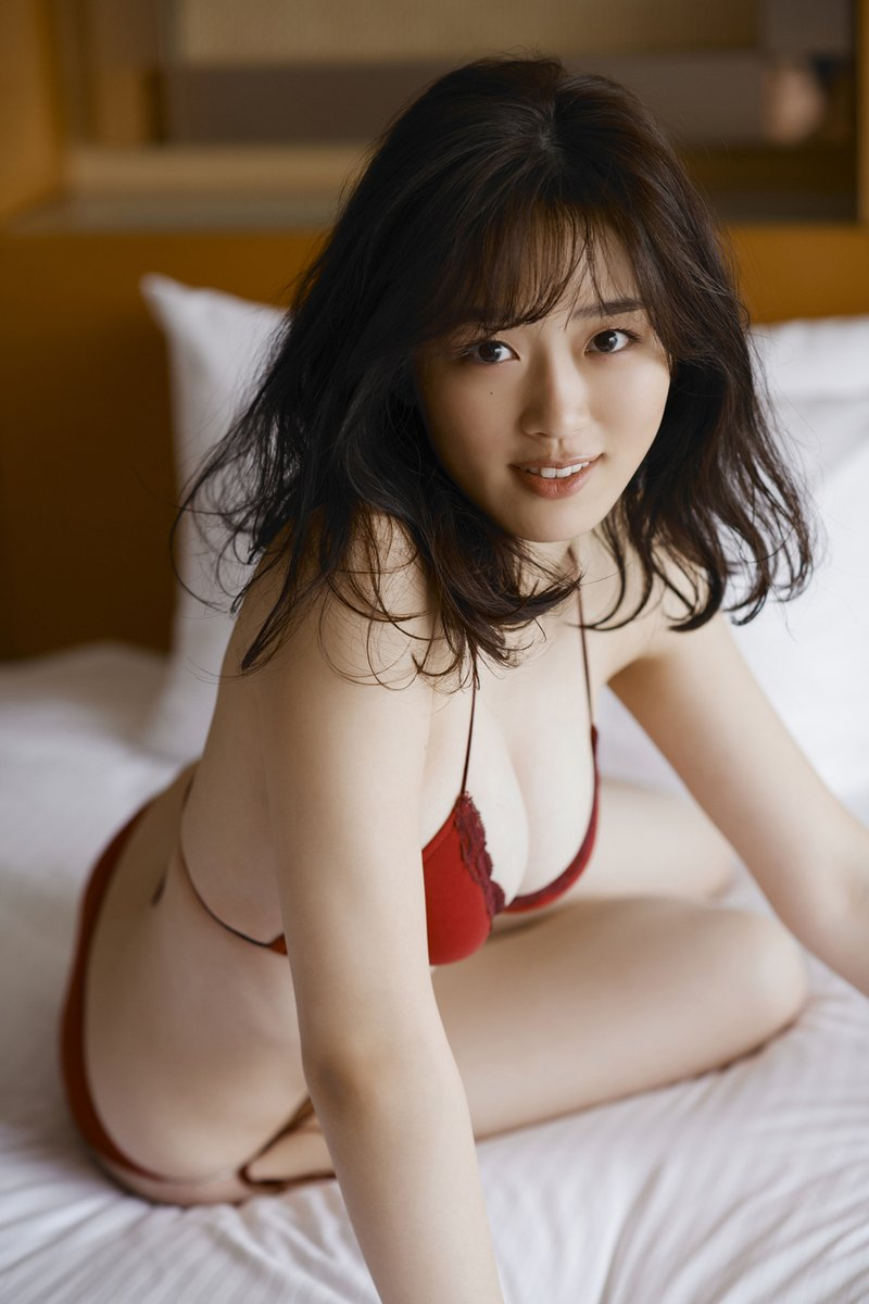 清水綾乃(20)の下着のような水着グラビアがエロいww【エロ画像】