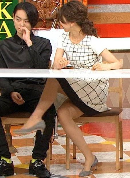 加藤綾子アナが年下イケメンに太もも擦り付けてるwムチムチの美脚にフルボッキ!ホンマでっかTV【エロ画像】