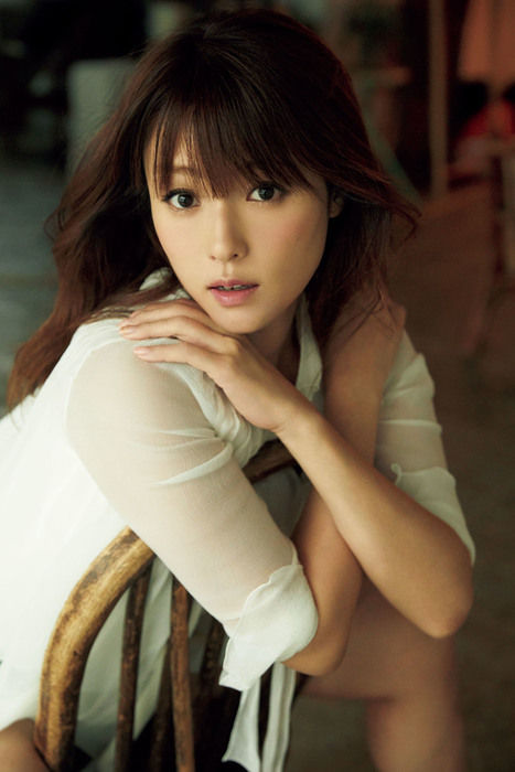深田恭子(36)の最新グラビアが妖艶でエロいww【エロ画像】