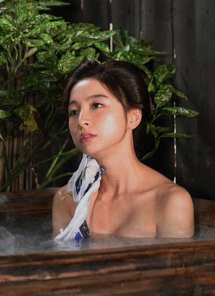 篠田麻里子(31)水戸黄門での入浴シーンがぐうシコww【エロ画像】
