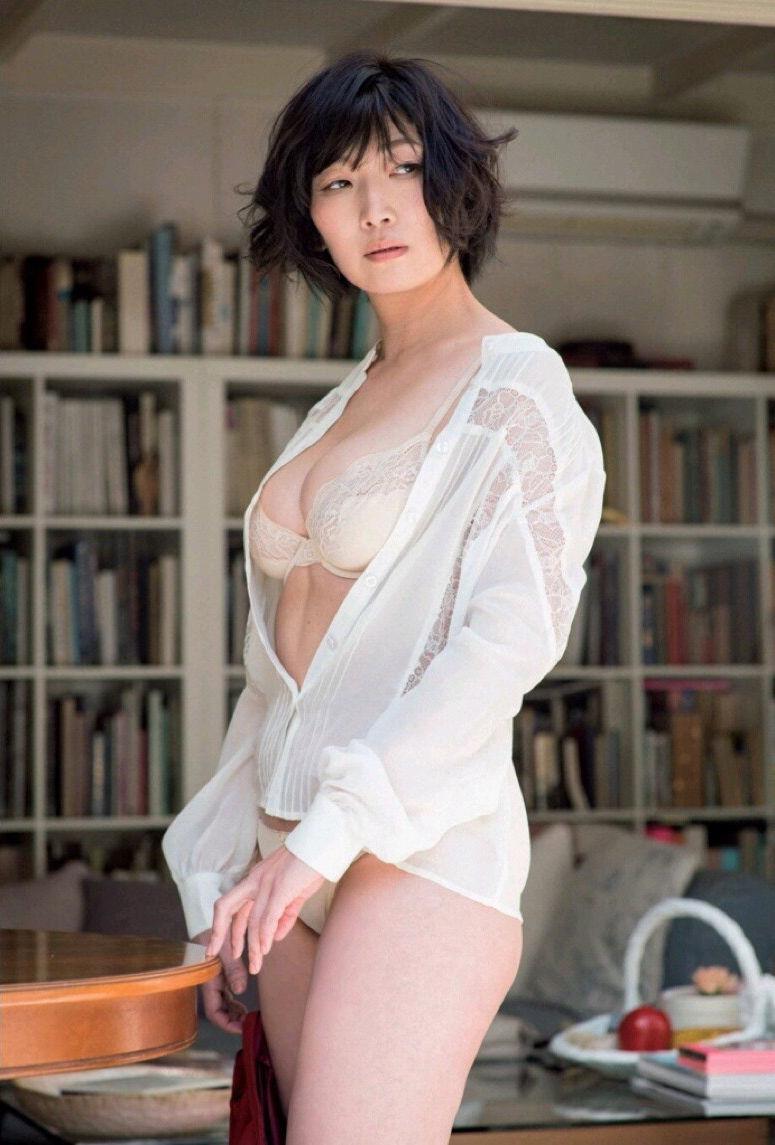たんぽぽ川村エミコ(37)ブスBBAのHカップが案外エロい…ww【エロ画像】