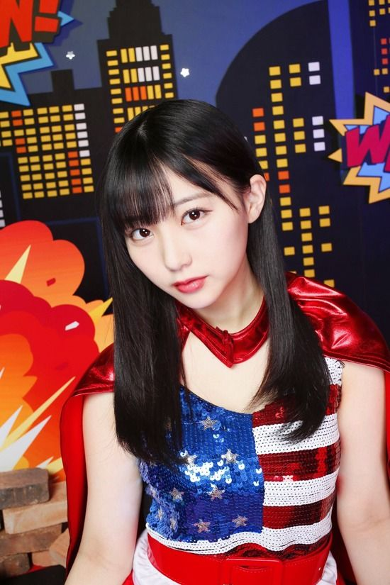 HKT48田中美久(17)のスーパーマンコスの着衣おっぱいにミニスカがエロいww【エロ画像】