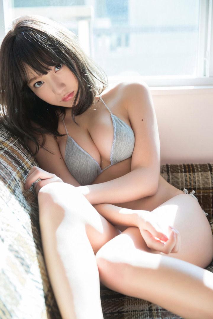 夢アド京佳(18)のFカップがけしからん水着グラビアww【エロ画像】