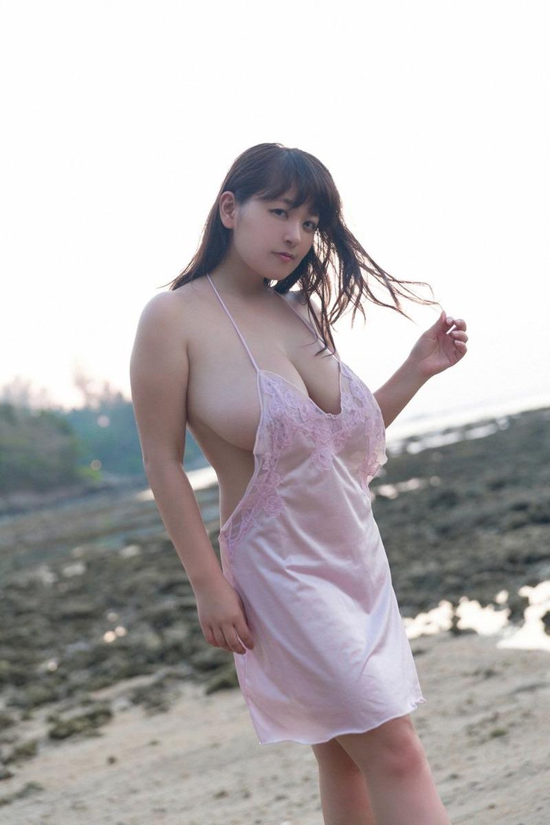 柳瀬早紀(28)Iカップのこぼれ横乳がたまらん!ムチムチ好き必見!【エロ画像】