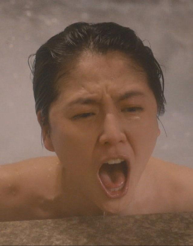 長澤まさみ(30)腋チラに入浴シーンが抜けるww【エロ画像】