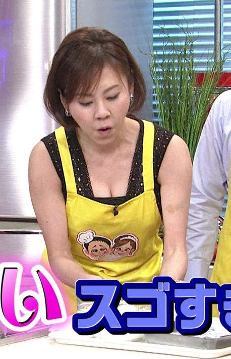 高橋真麻(35)女子アナ界のおっぱいレジェンドの胸チラTVキャプ集ww【エロ画像】