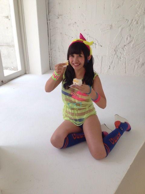 NMB薮下柊(15)ちゃんの最新太ももがむっちむちでDカップおっぱいも暴れ始めた【エロ画像】