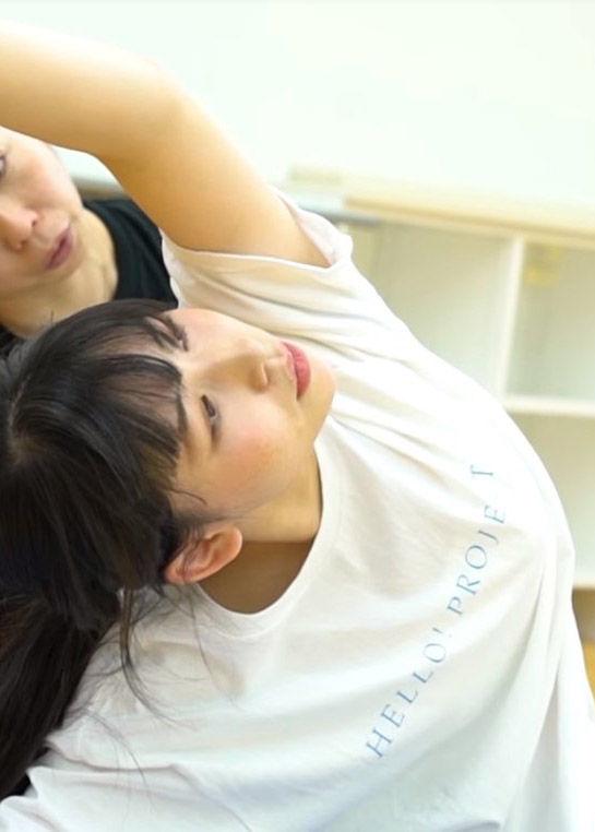 アンジュルム笠原桃奈(14)トレーニングシーンの着衣巨乳がなんかエロいww【エロ画像】