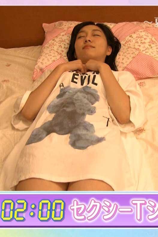 須田亜香里(25)ブスだがノーパン疑惑のパジャマ姿が意外と抜けるww【エロ画像】