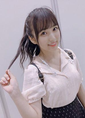 HKT48矢吹奈子(17)の膨らみが気になる着衣巨乳ww【エロ画像】