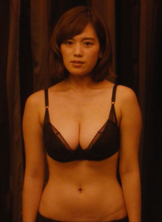 筧美和子(23)『フリンジマン』で見せた下着姿に胸チラがぐうシコww【エロ画像】