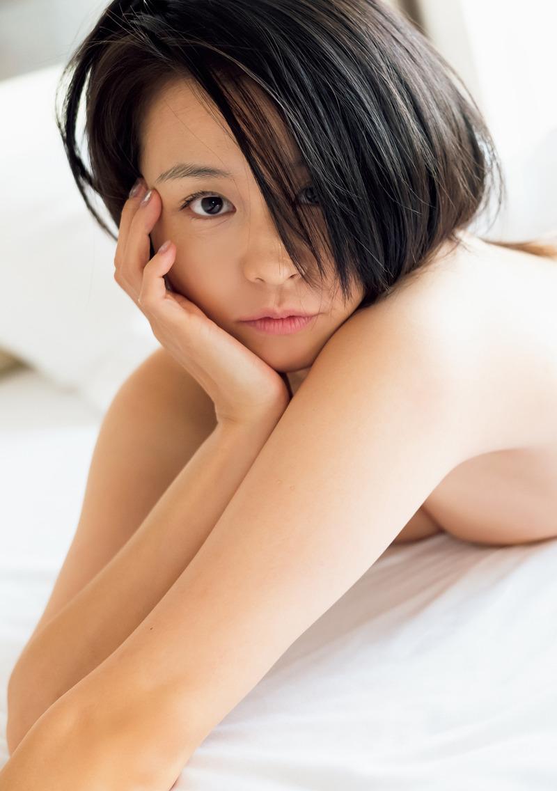 misono(34)の久々の大胆セミヌードがエロいww【エロ画像】