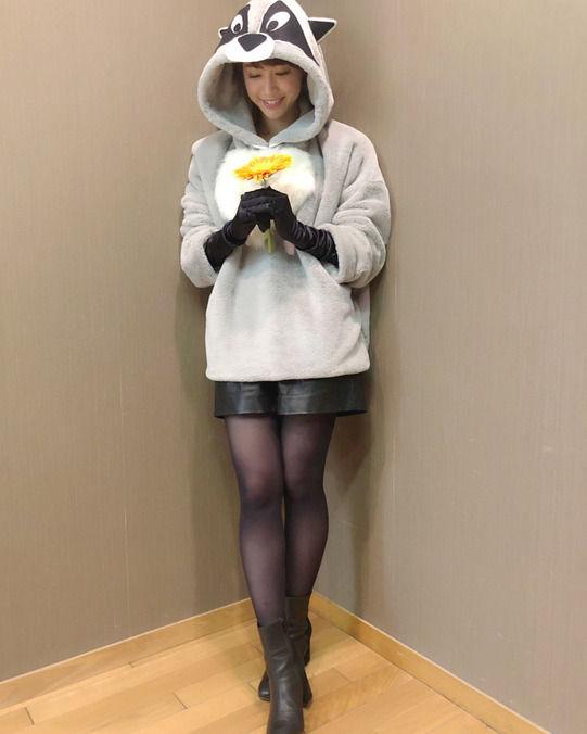 新井恵理那(28)のハロウィンコスのパンストがエロいww【エロ画像】