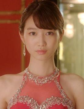 岡本夏美(19)背中開きまくりのキャバドレス姿がエロいww【エロ画像】