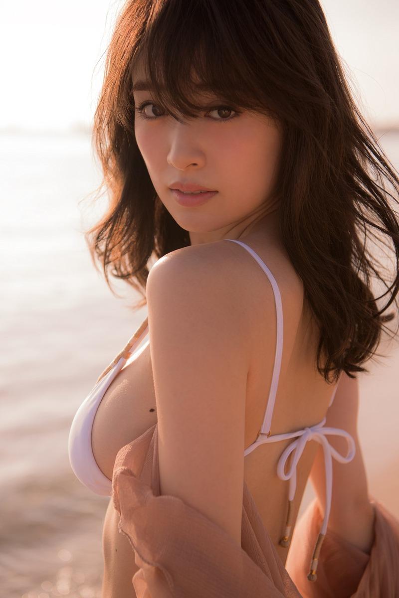 泉里香(28)初の水着写真集「Rika!」の先行カットがぐうシコww【エロ画像】