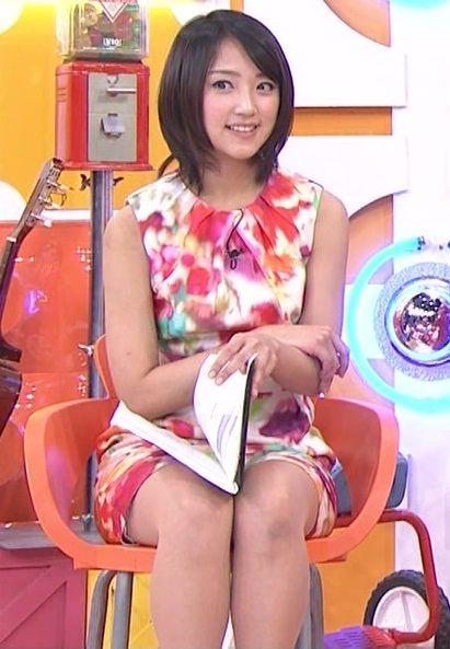 竹内由恵アナ(28)がまたワンピース姿でエッロい太もも見せびらかしてる【エロ画像】
