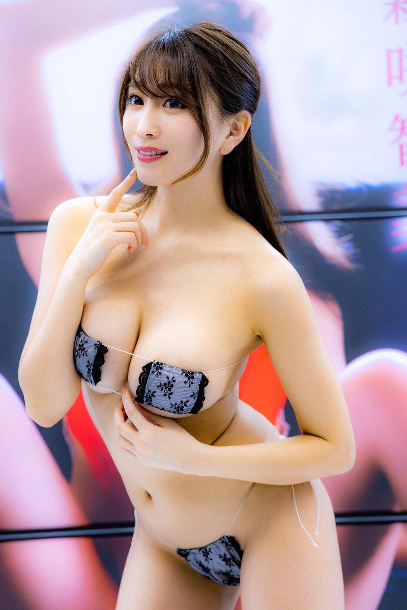 森咲智美(26)のV字ハイレグ水着姿がぐうシコww【エロ画像】