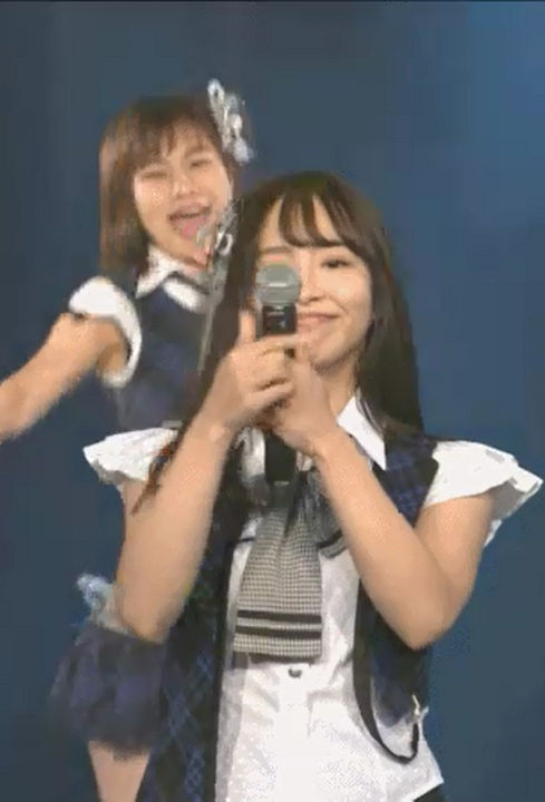 SKE48松村香織(28)がマイク握って手コキフェラww【エロ画像】