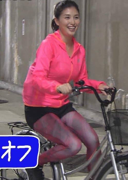 橋本マナミ(33)自転車に乗ってる姿が生々しくて抜けるww【エロ画像】