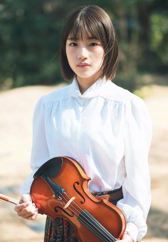 日向坂46佐々木美玲(19)の清楚な美少女のストーリーグラビアww【エロ画像】