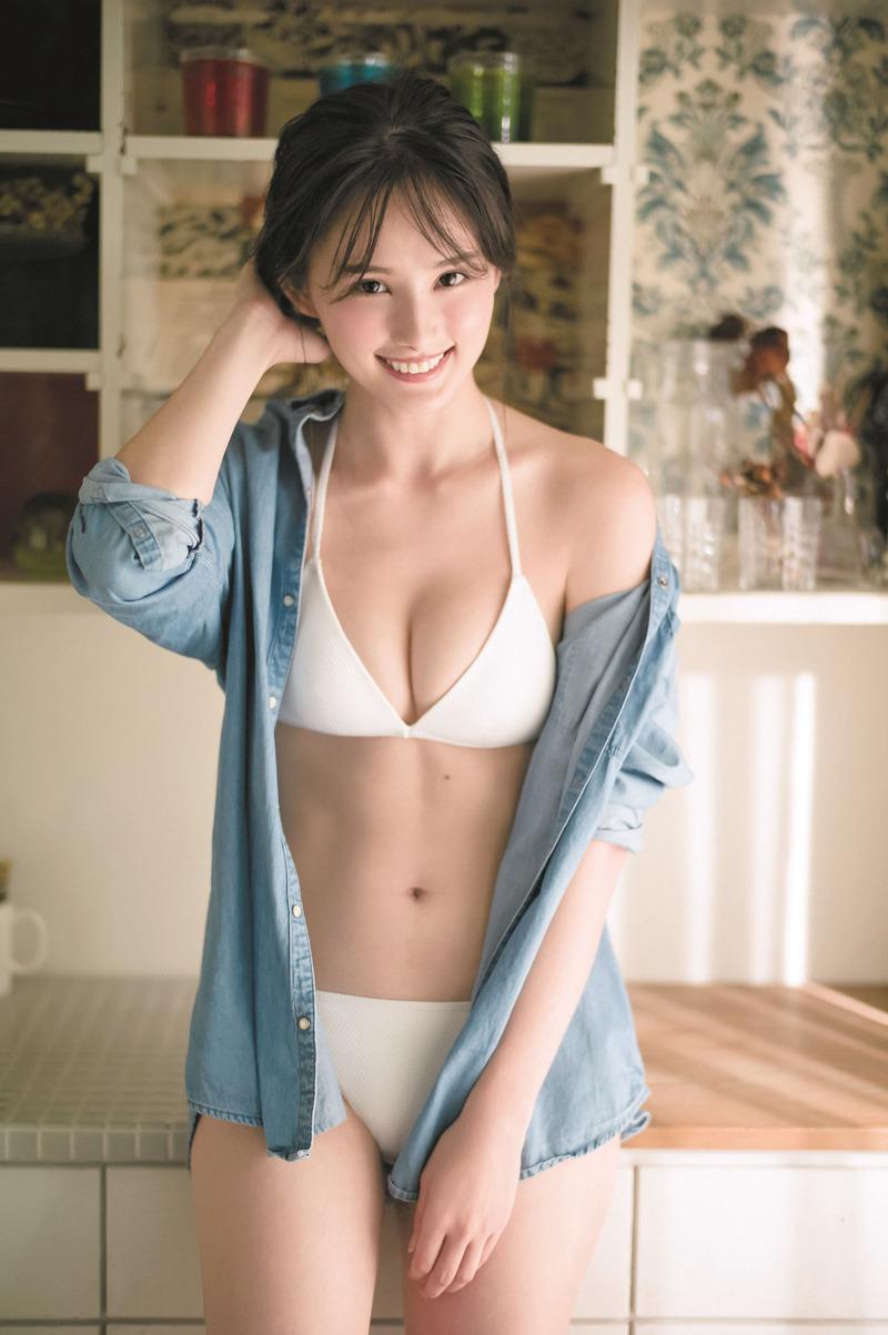 くるみ(23)アイルランドハーフのモデルの美乳水着グラビアが抜けるww【エロ画像】