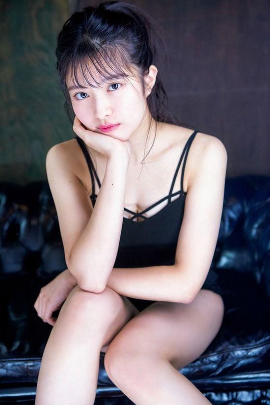 AKB48行天優莉奈(19)のセクシーな胸チラ谷間のグラビアがエロいww【エロ画像】