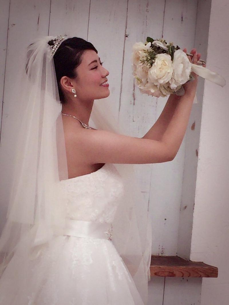 元AKB倉持明日香(27)ウェディングドレス姿が即ハボ!wwこれは嫁にして子作りしたすぎるww【エロ画像】