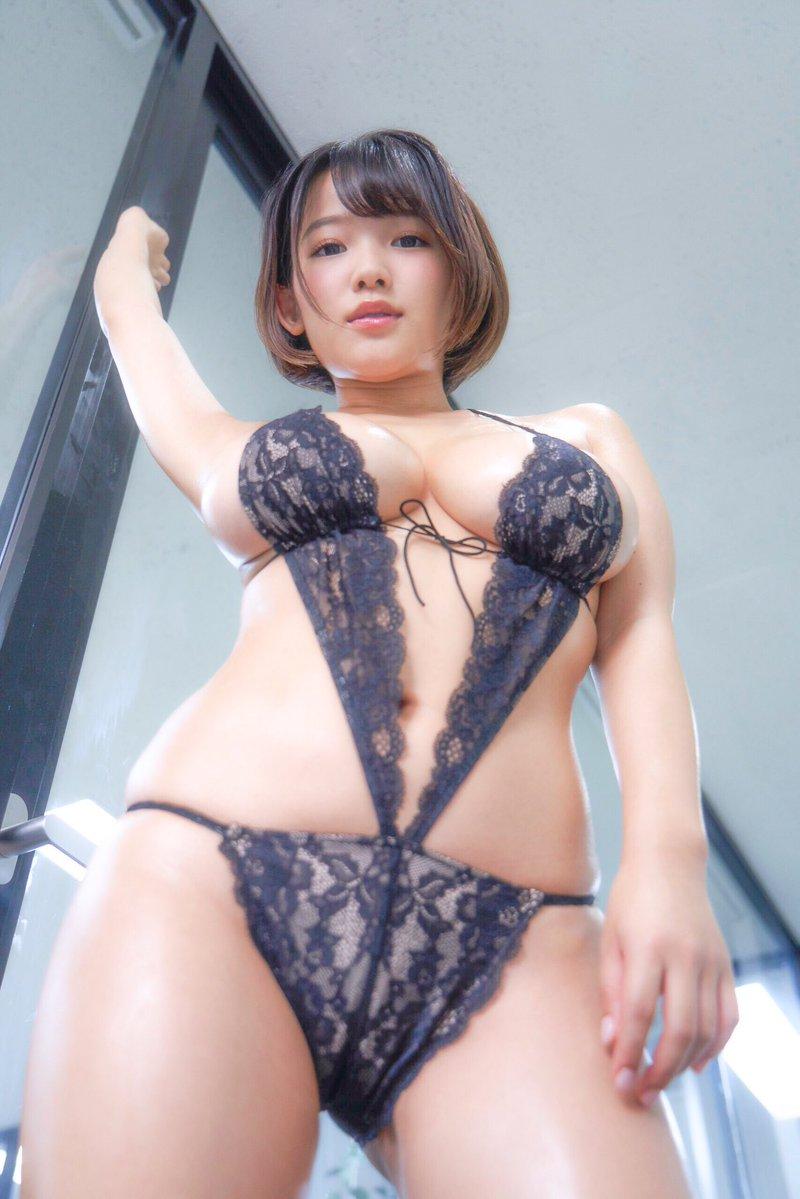 天木じゅん(23)の色気ムンムンの爆乳ボディがエロいww【エロ画像】